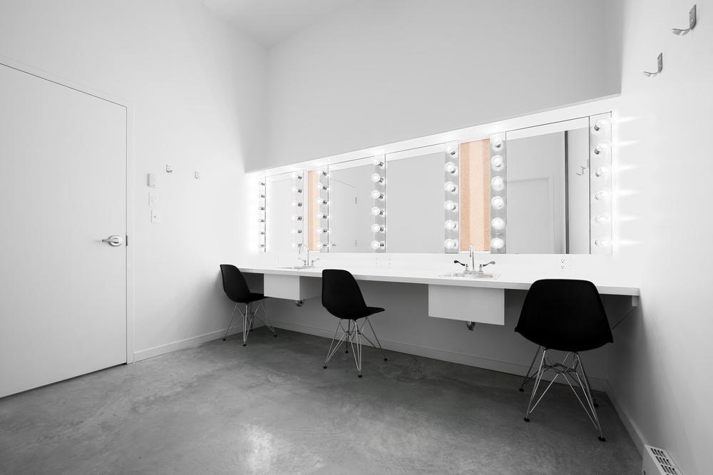 14 Salle de spectacle Dolbeau-Mistassini.jpg