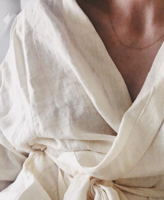 White after labour day ||LATU robe in organic hemp/linen blend