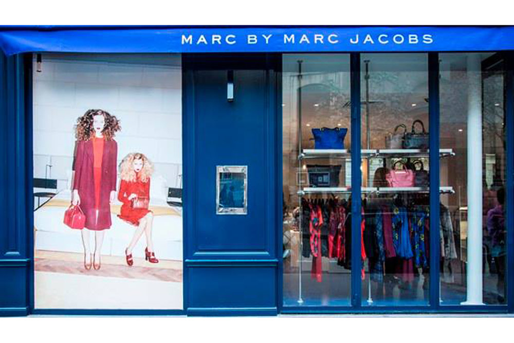 2013 MARC JACOBS SHOP & CAFE PARIS Ephémere et gourmande, la boutique a été devoilée pendant la fashion week de Paris.