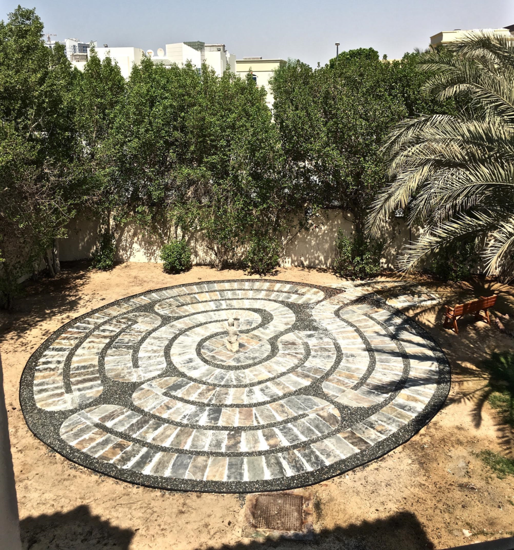 A GARDEN LABYRINTH IN DUBAI