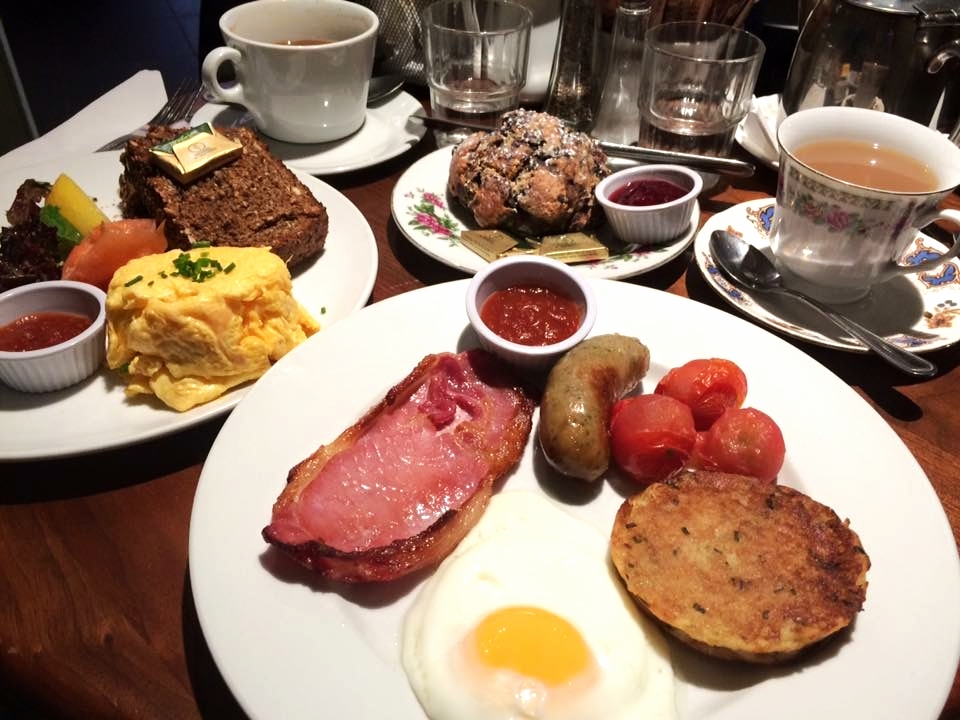 complete Irish breakfast. how we had room for lunch and dinner, i still don't know