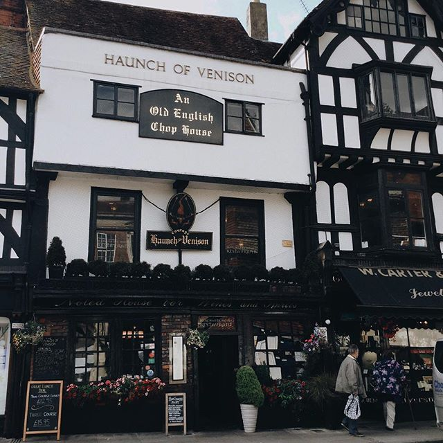 Looking through old photos from my last trip to the UK and came across this quick shot of a pub in Salisbury that has been around in some form since 1320 (and is supposedly haunted). How wild is that? ⠀⠀⠀⠀⠀⠀⠀⠀⠀ This building and the surrounding town square were just magical, though, and looked a bit like they belong in Diagon Alley. 😍 ⠀⠀⠀⠀⠀⠀⠀⠀⠀ #england #uktravel #harrypotter