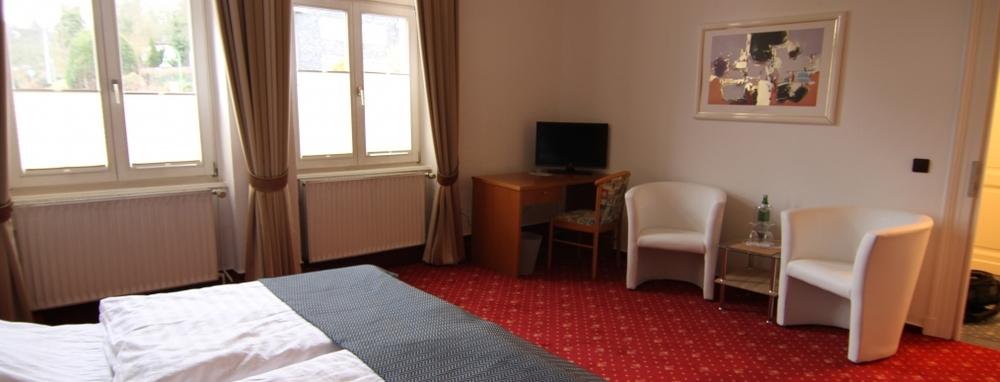Hotel-Barbarossa-Zimmer2.JPG