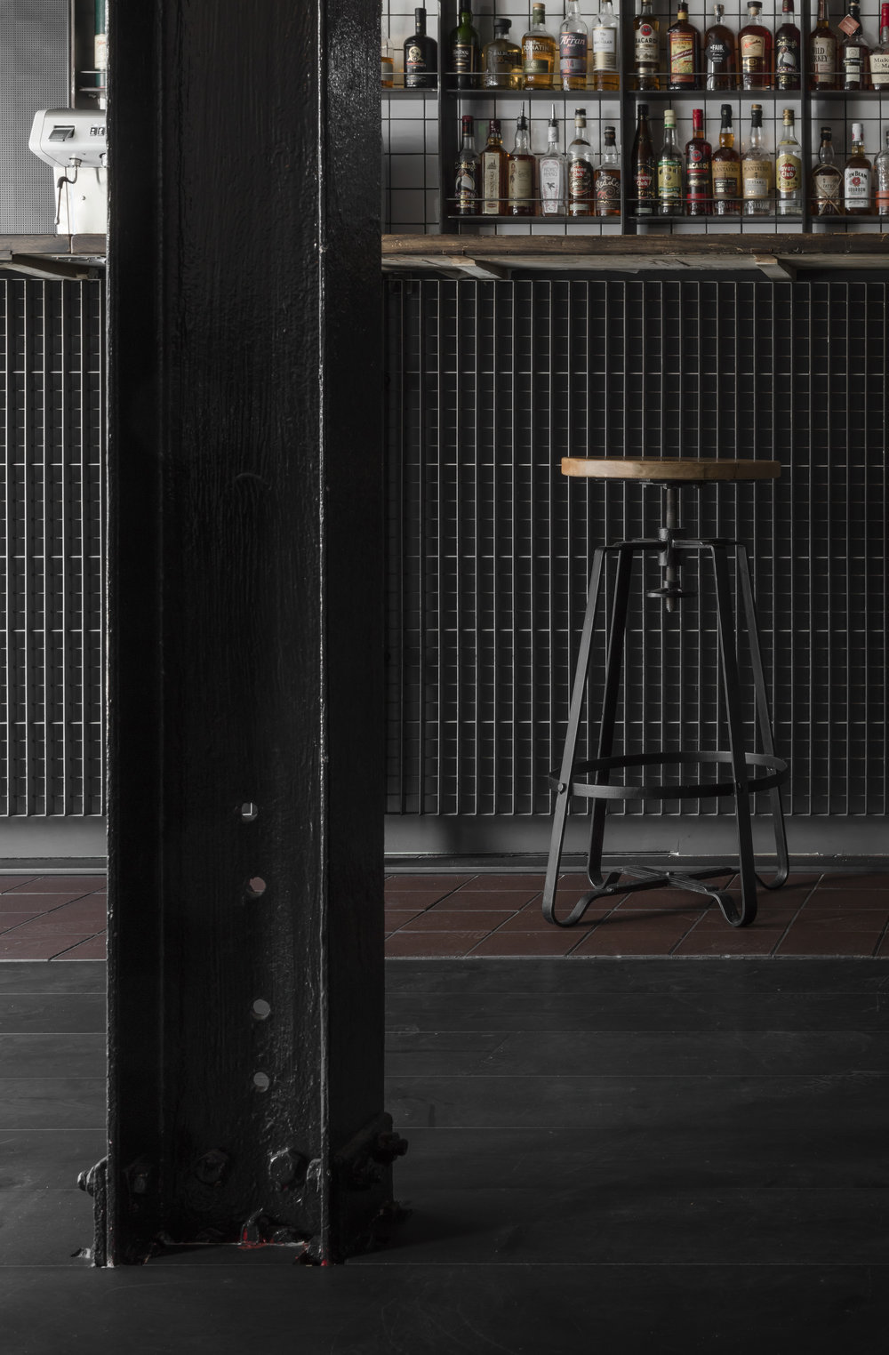 Cattle & Co-Kings-Cross-London-Smokehouse-Restaurant-Bar-Exposed-Steel-Interior-Architect.jpg