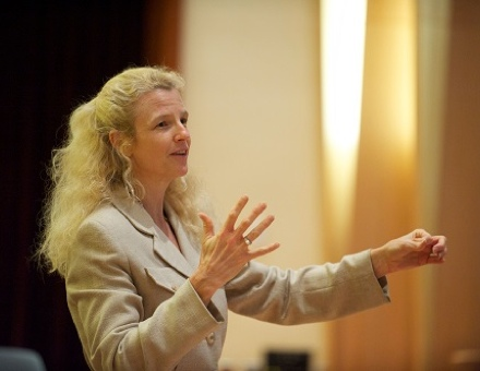 News - New MBA Course Focuses on Developing Women Leaders.jpg