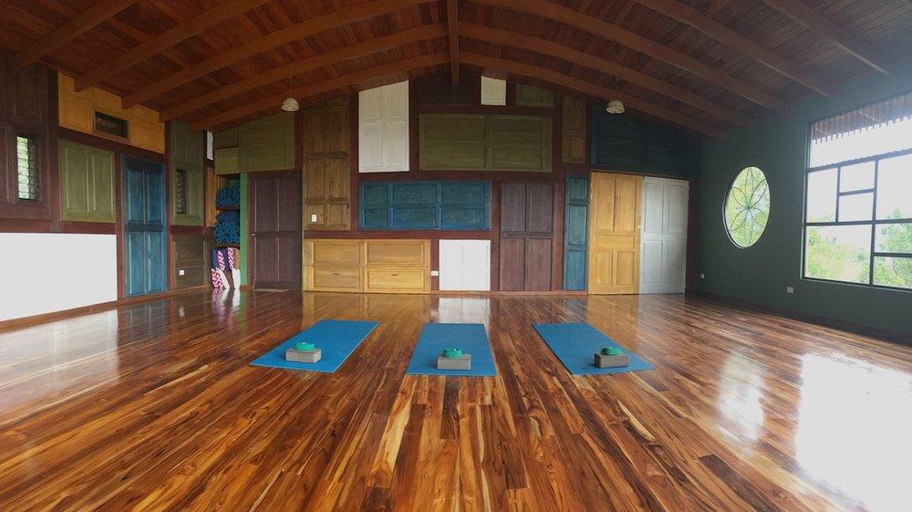 yoga panor sm.jpeg