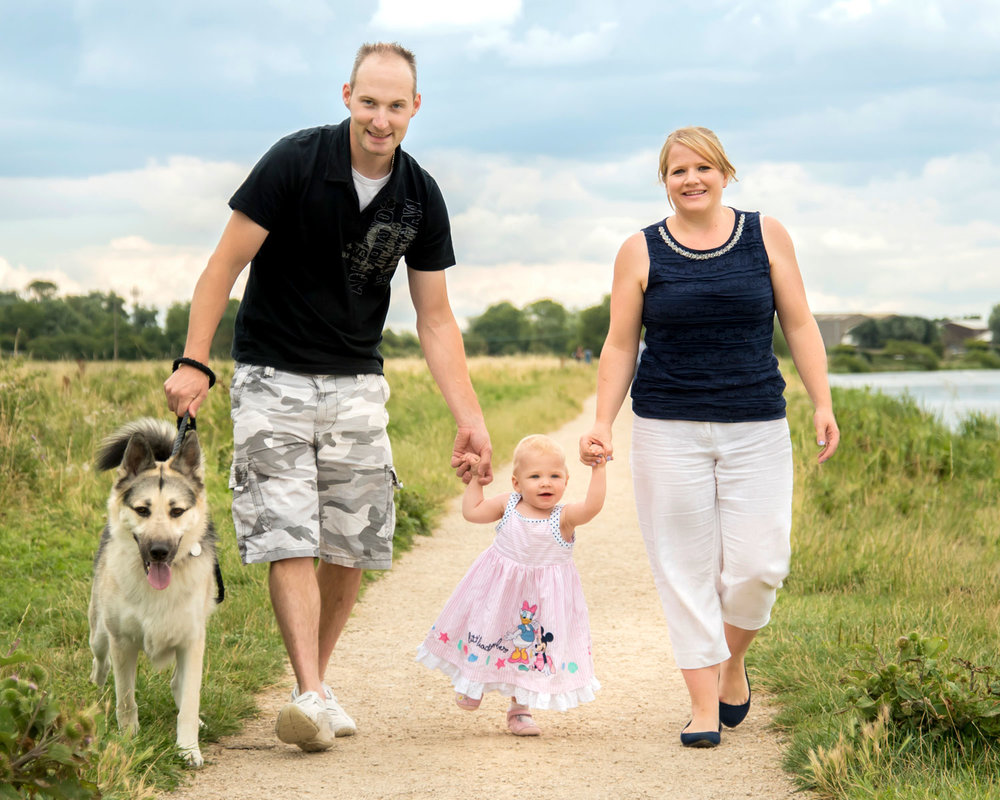 Family-photography-ely-cambridgeshire-summer-mini-session-taster-photoshoot-riverside (2).jpg