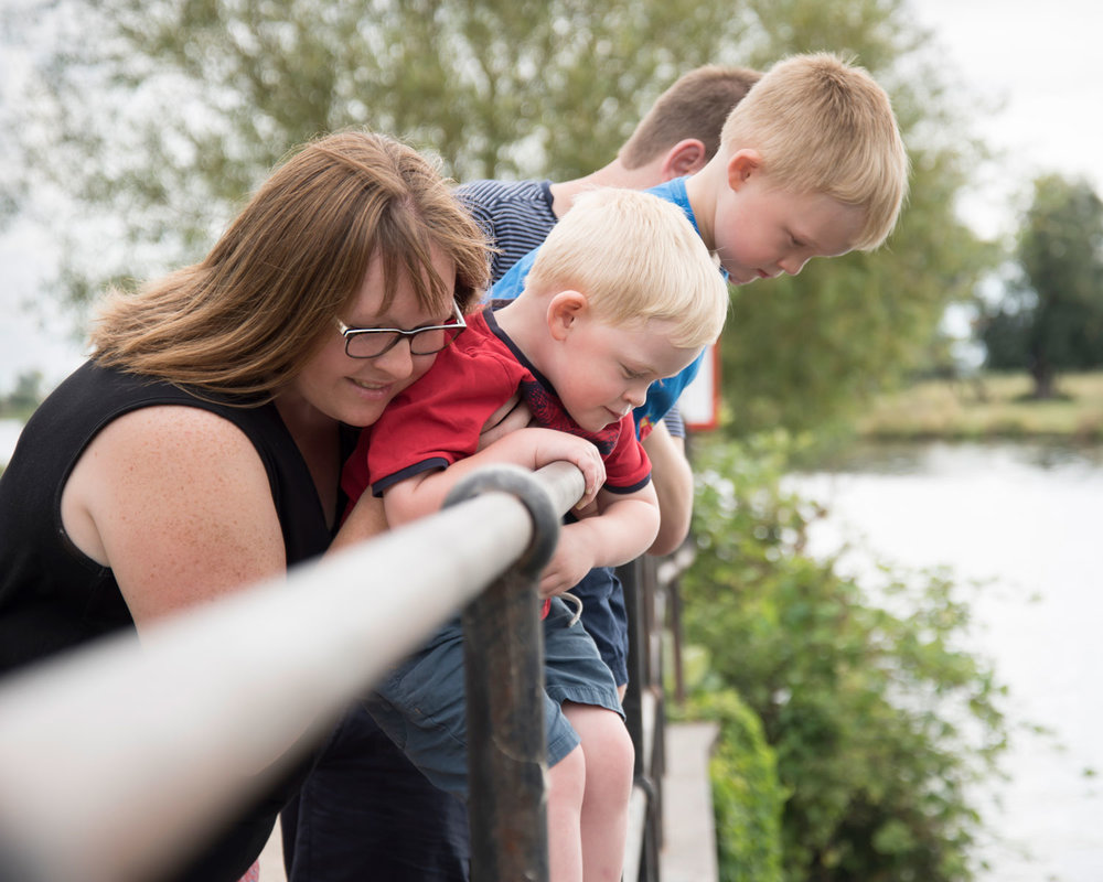 Family-photography-ely-cambridgeshire-summer-mini-session-taster-photoshoot-riverside (5).jpg