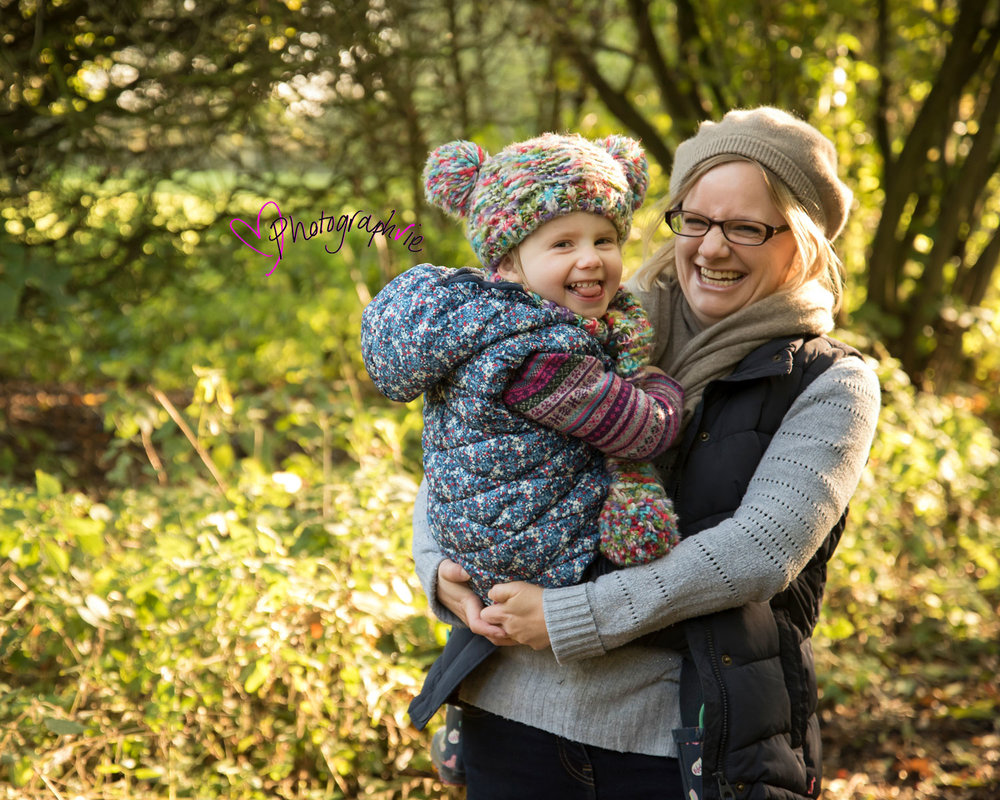 Autumn leaves mini photoshoot ely cambridgeshire family photos baby photographer near me (6).jpg