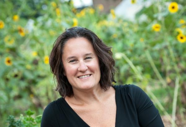 Tracy Stuckrath - garden lean.jpg