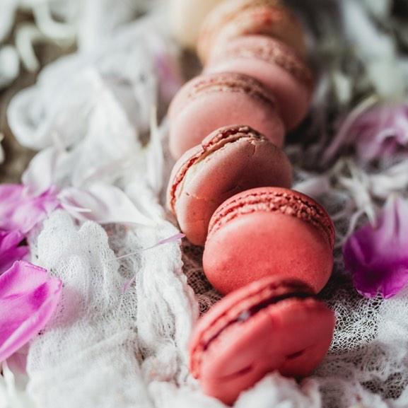 "Much needed ""hump day"" snack. . . . #dessertsofparis #newseasonnewdesserts #macaroons #dessertsofparis  #sweettooth #bestofparis #paristours #specialevents #trypariswithus #luxuryexperience #goûter #wineanddesserts #wineanddessertpairing #wineanddessertpairingexperience #champagne #champagnetaste #specialoccasion #specialevents #weddings #eventplanning #bonnebouche #wine #france🇫🇷 #paris #eatwithus #instadessert #instaparis #instagood #instadesserts #instadaily #instafrance"