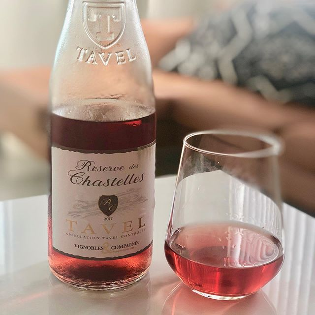 "I know that many of us think that a good rosé ONLY comes from Provence BUT how about sipping a rosé from the Southern Rhône region...Tavel? It  has the body of a more ""structured"" wine with the capacity of drinking a smoother red without all the ""bite"". Trust me, Tavel Rosé is the way to go. #Wine #Rosé #santé #summerwines #rosé #wine #champagne #paristours #winetasting #bonneboucheevent #champagneflowing #foodandwinetours #foodandwinetravel #thebonnebouche #wineetbeauté #paristours #wineaficionado #instafrance #instaparis #instatravel #instagood #instadessert #instawine #instawines #wineaficionado  #wineexpert #wine #winegirl"
