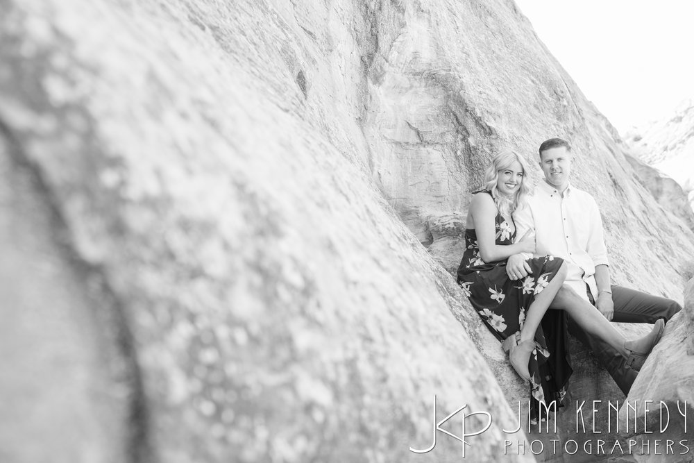 horseshoe-bend-engagement-session-arizona-photographer_-4.jpg