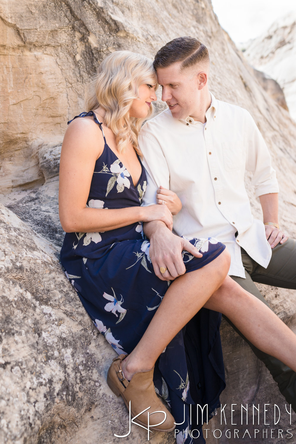 horseshoe-bend-engagement-session-arizona-photographer_-10.jpg