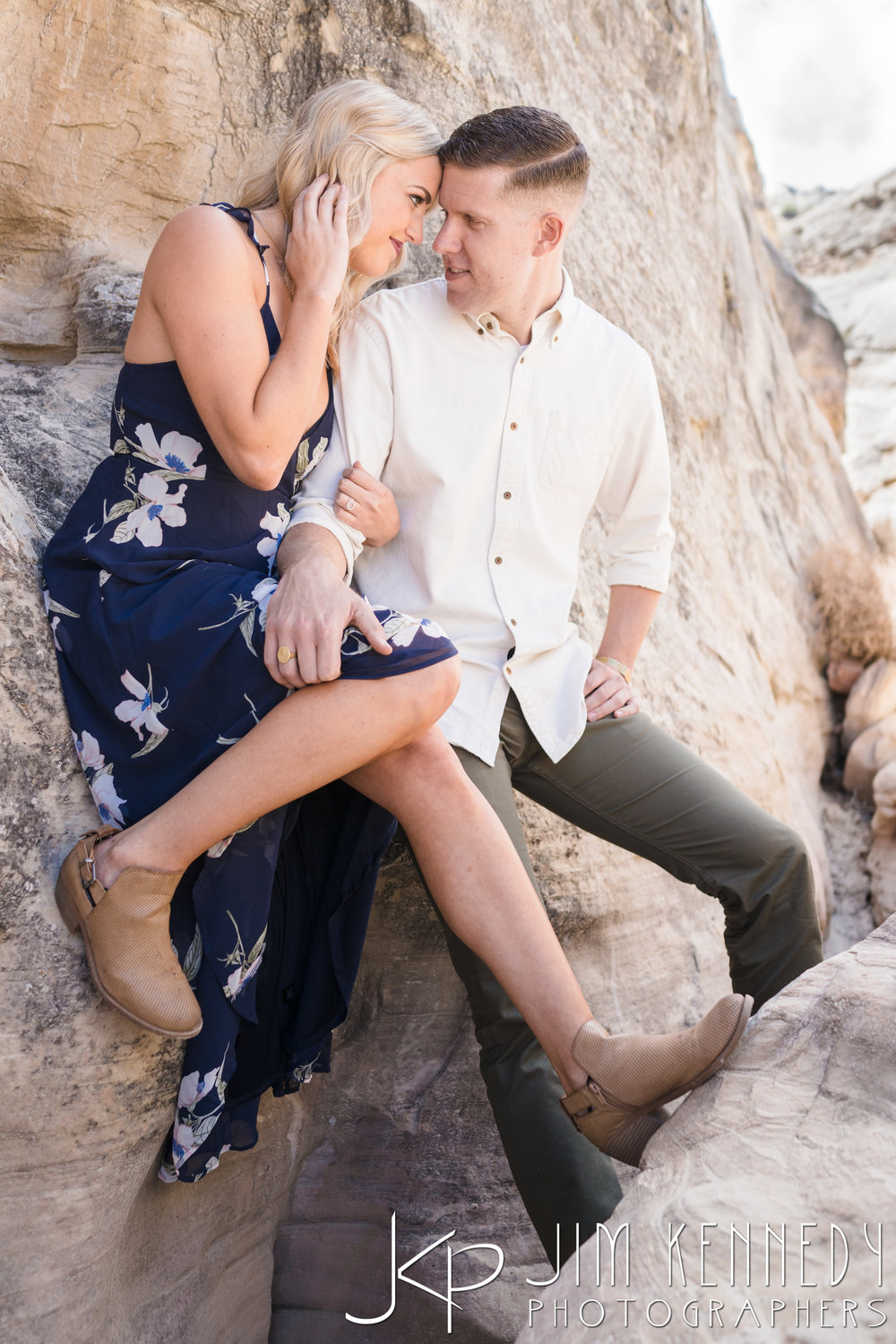 horseshoe-bend-engagement-session-arizona-photographer_-11.jpg