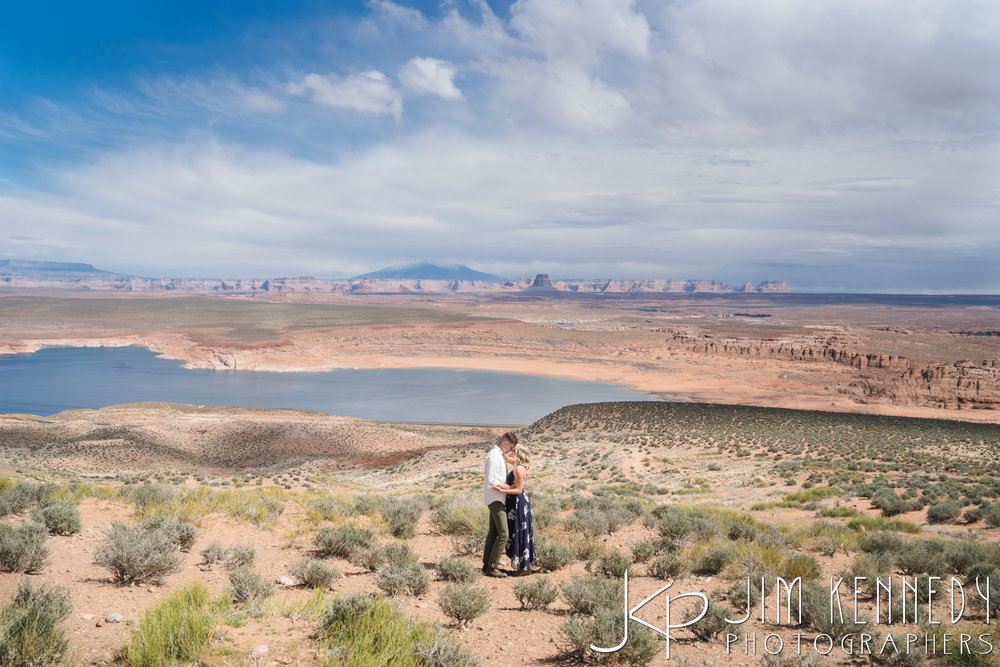 horseshoe-bend-engagement-session-arizona-photographer_-14.jpg