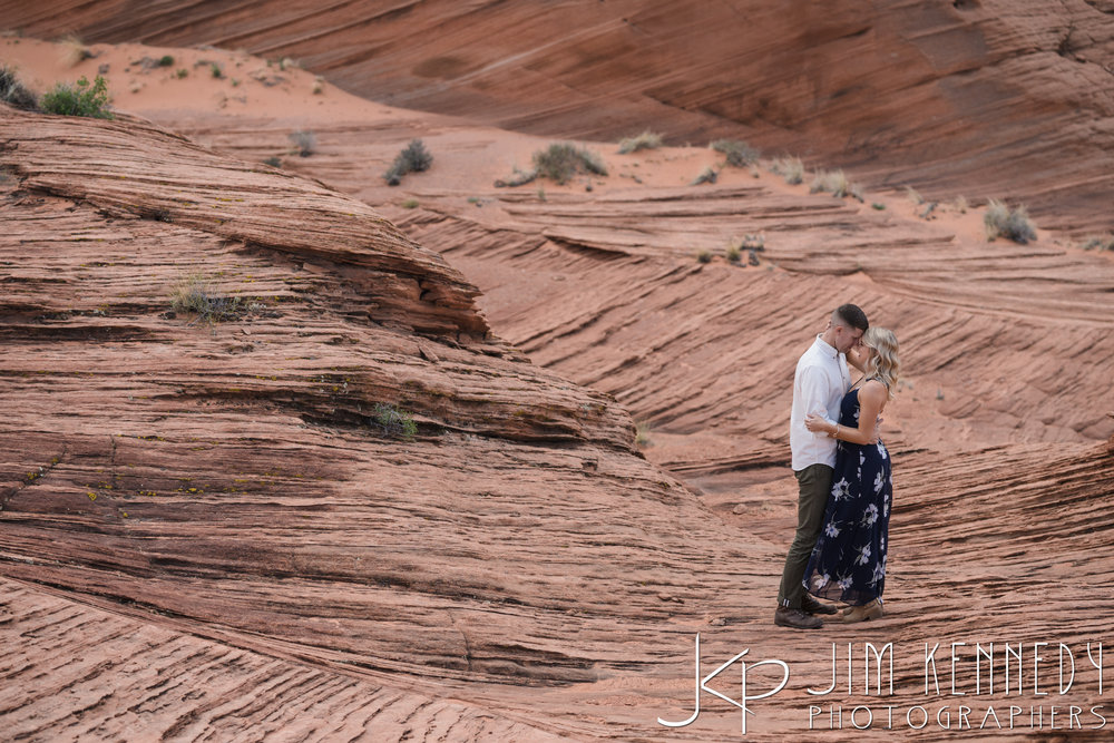 horseshoe-bend-engagement-session-arizona-photographer_-18.jpg