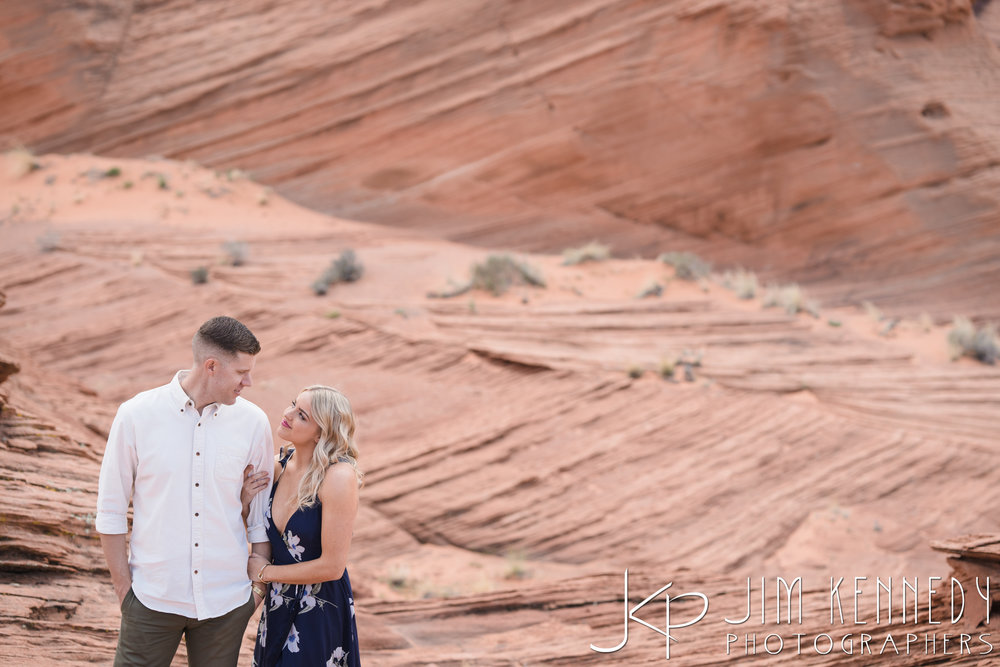 horseshoe-bend-engagement-session-arizona-photographer_-20.jpg