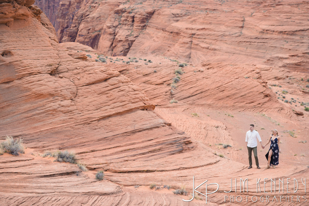 horseshoe-bend-engagement-session-arizona-photographer_-21.jpg