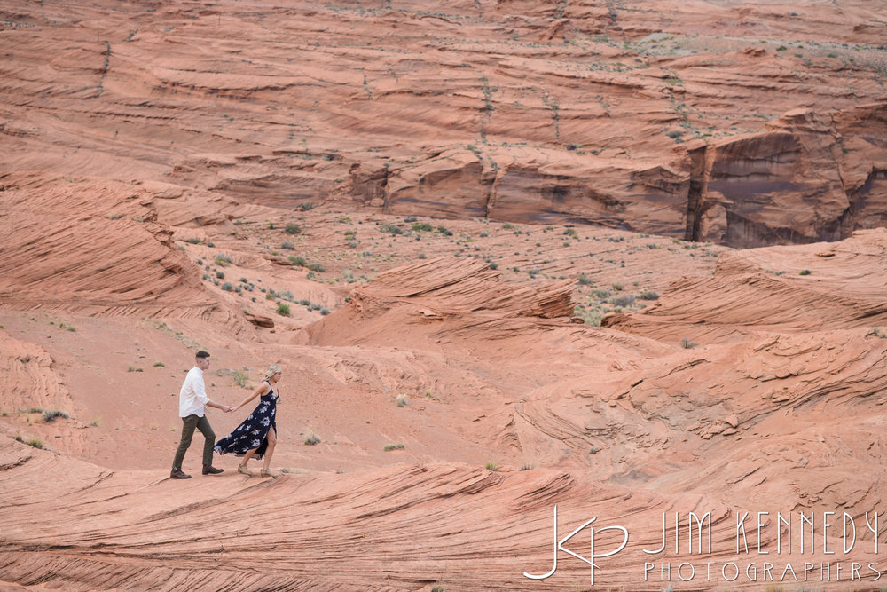 horseshoe-bend-engagement-session-arizona-photographer_-22.jpg