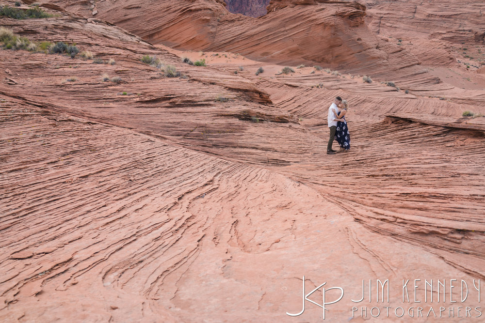 horseshoe-bend-engagement-session-arizona-photographer_-23.jpg
