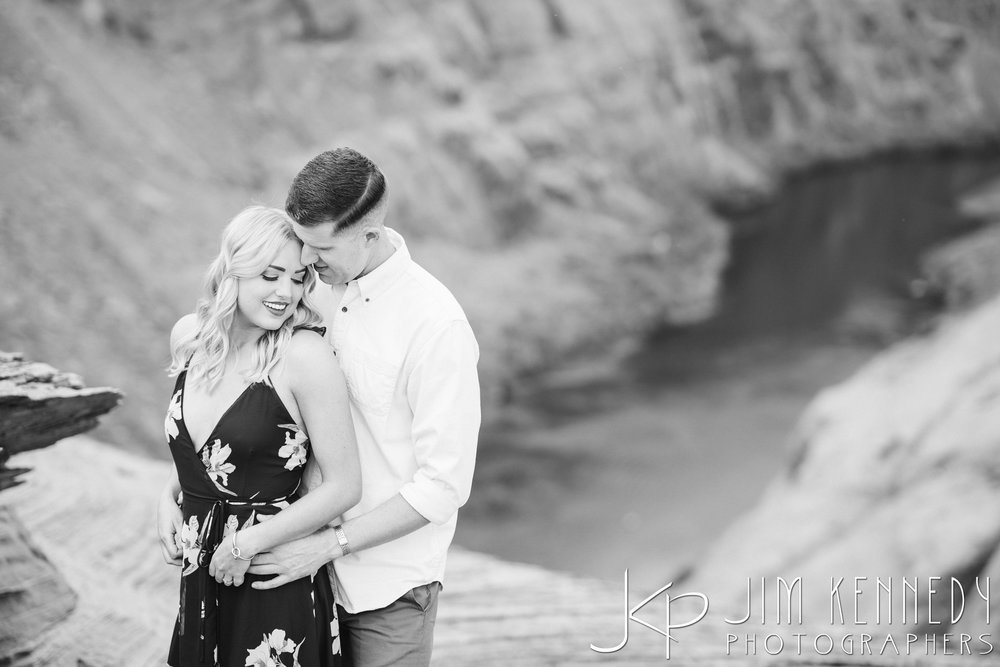 horseshoe-bend-engagement-session-arizona-photographer_-26.jpg