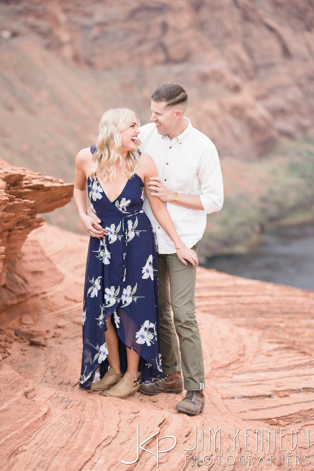 horseshoe-bend-engagement-session-arizona-photographer_-27.jpg