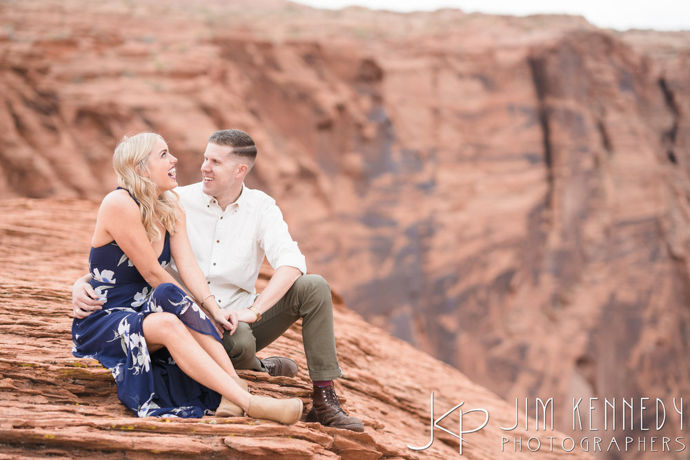 horseshoe-bend-engagement-session-arizona-photographer_-33.jpg