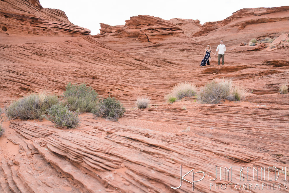horseshoe-bend-engagement-session-arizona-photographer_-37.jpg