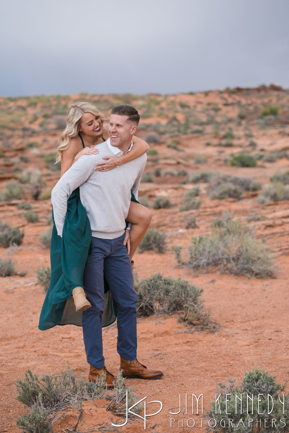horseshoe-bend-engagement-session-arizona-photographer_-42.jpg