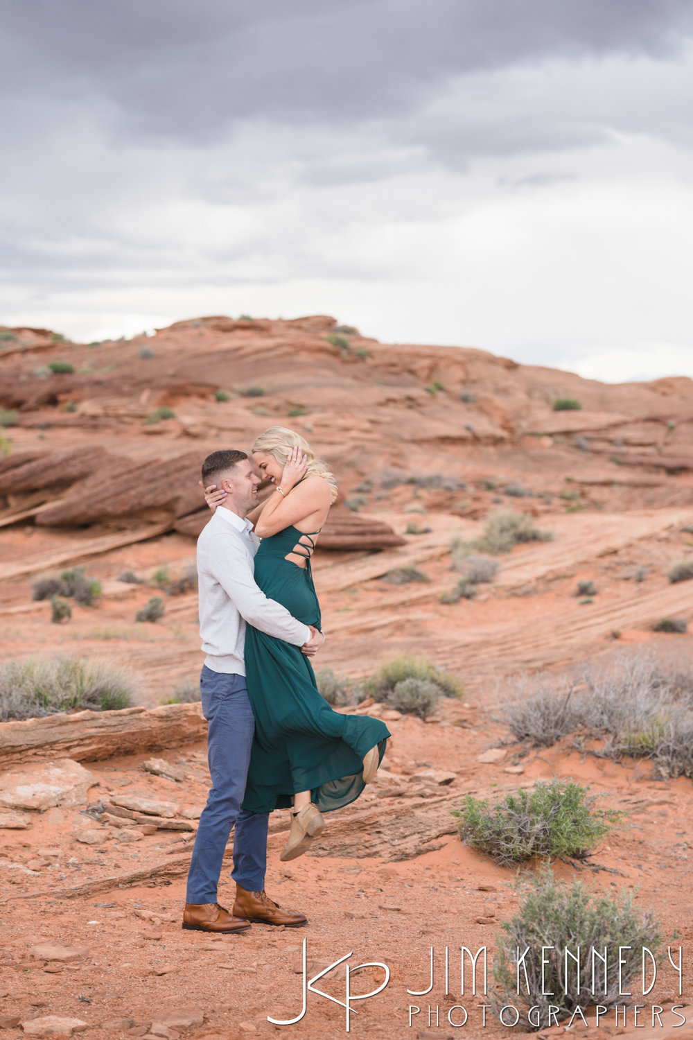 horseshoe-bend-engagement-session-arizona-photographer_-44.jpg