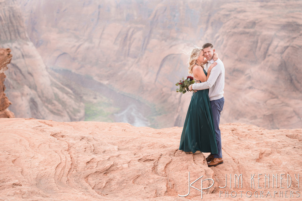horseshoe-bend-engagement-session-arizona-photographer_-51.jpg