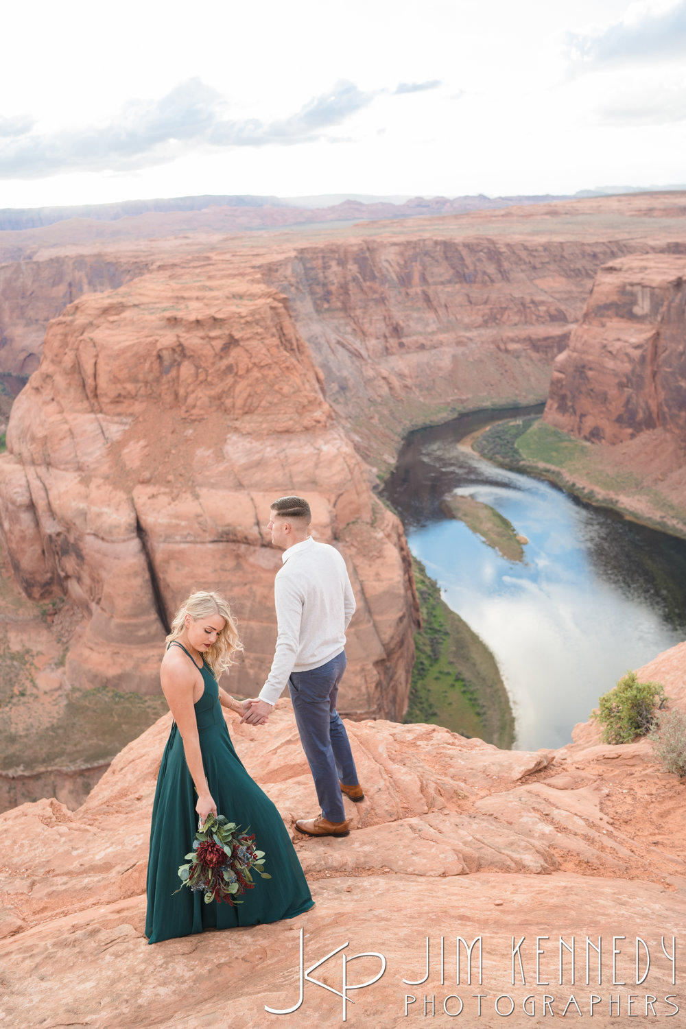 horseshoe-bend-engagement-session-arizona-photographer_-56.jpg