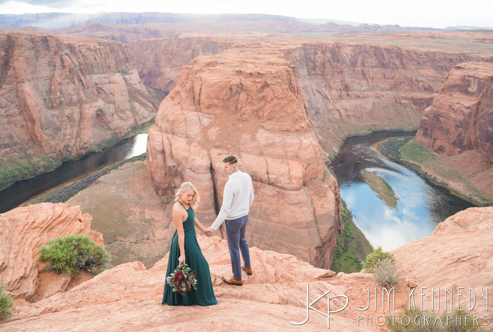 horseshoe-bend-engagement-session-arizona-photographer_-57.jpg