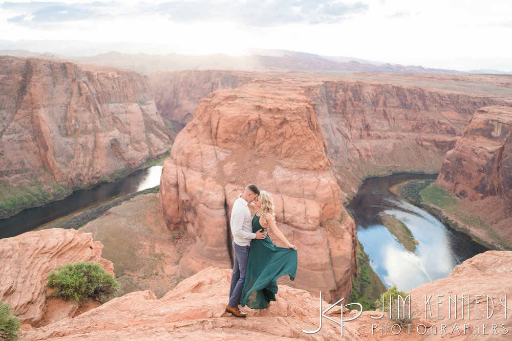 horseshoe-bend-engagement-session-arizona-photographer_-62.jpg