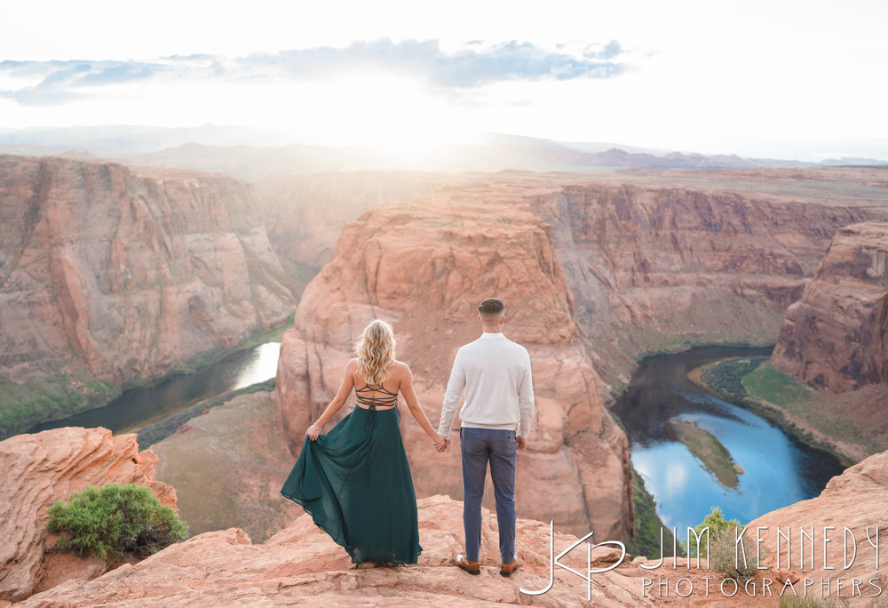 horseshoe-bend-engagement-session-arizona-photographer_-63.jpg