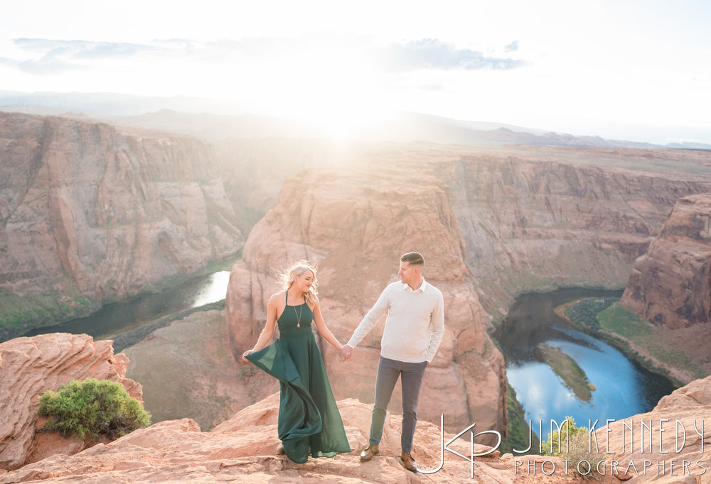 horseshoe-bend-engagement-session-arizona-photographer_-64.jpg