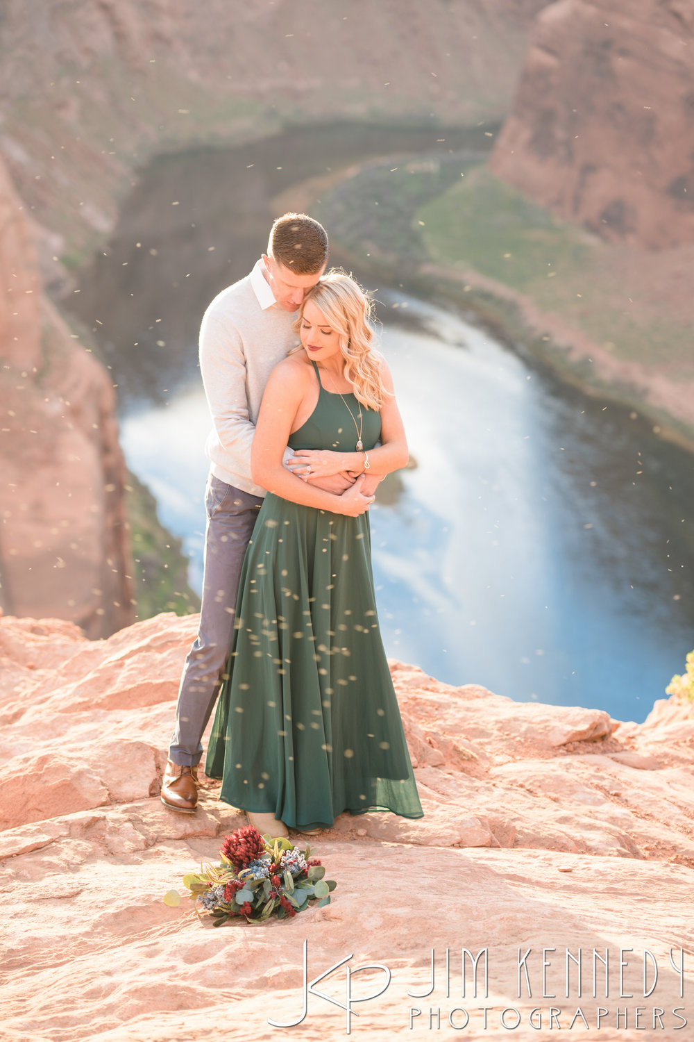 horseshoe-bend-engagement-session-arizona-photographer_-68.jpg