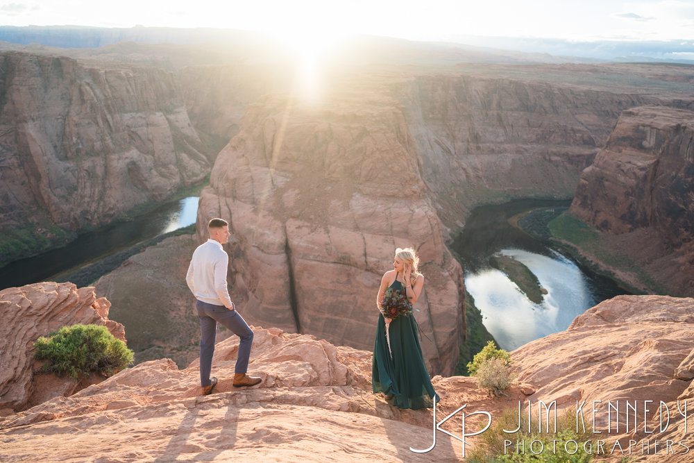 horseshoe-bend-engagement-session-arizona-photographer_-70.jpg