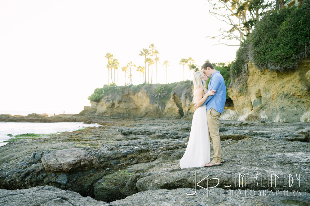 laguna-beach-engagement-photos-08.JPG