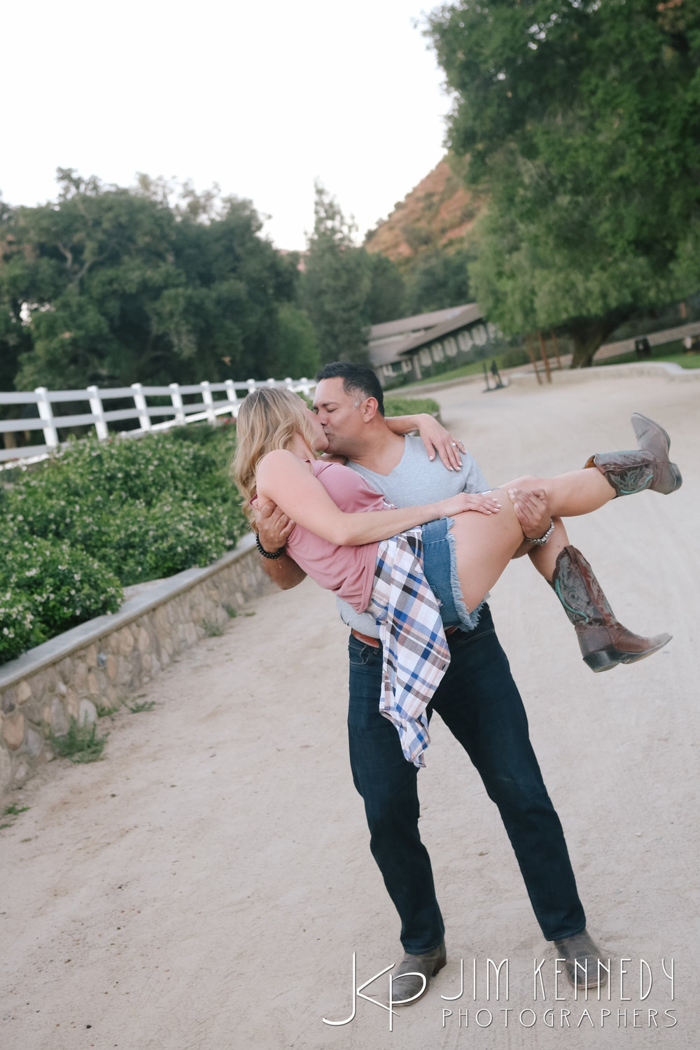 giracci_vineyard_engagement-1523.jpg