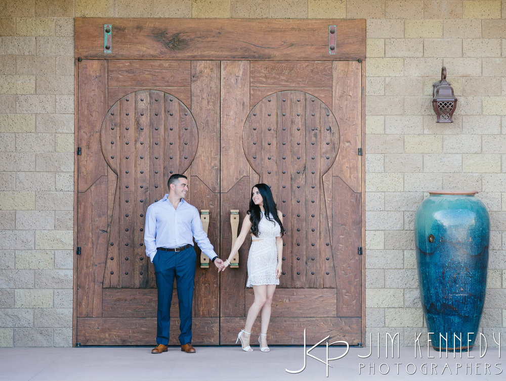 temecula-winery-engagement-session_-4.jpg