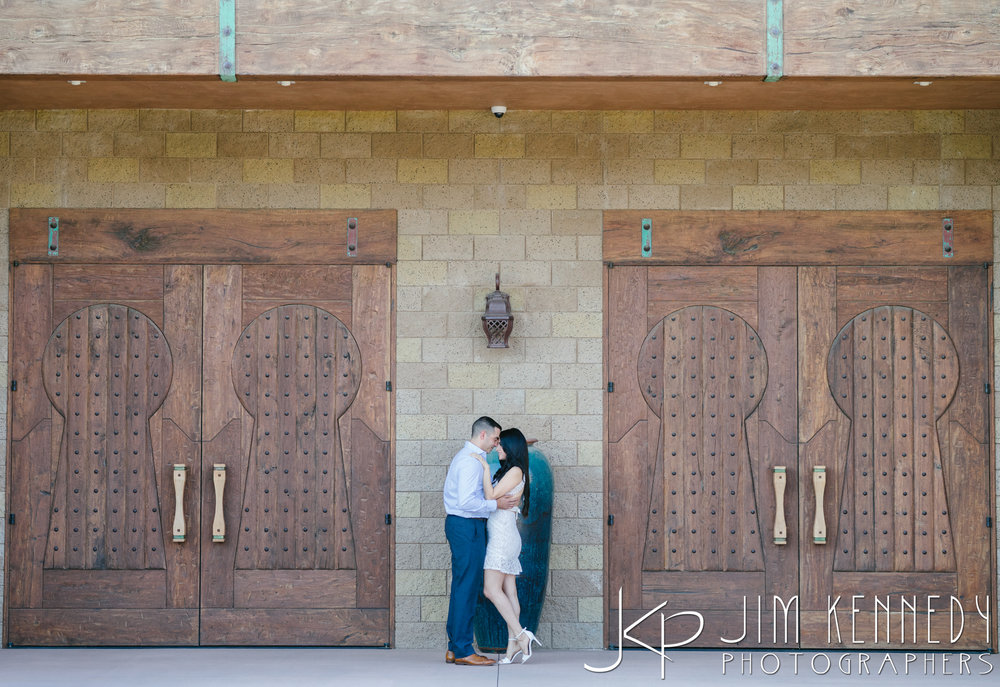 temecula-winery-engagement-session_-6.jpg