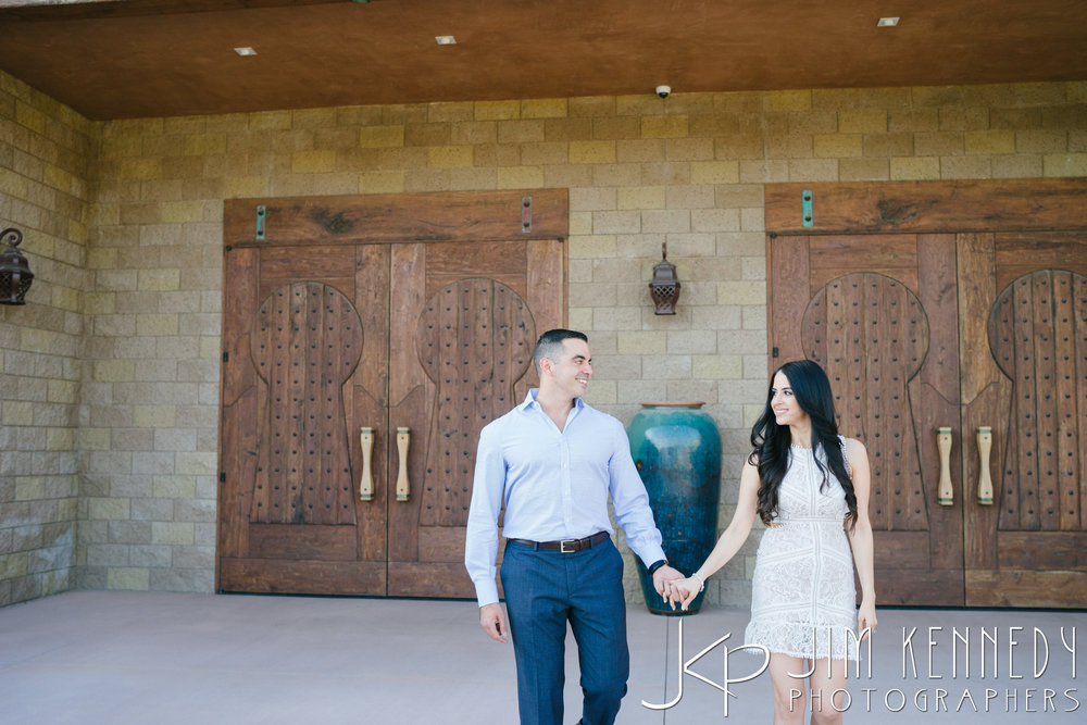 temecula-winery-engagement-session_-7.jpg