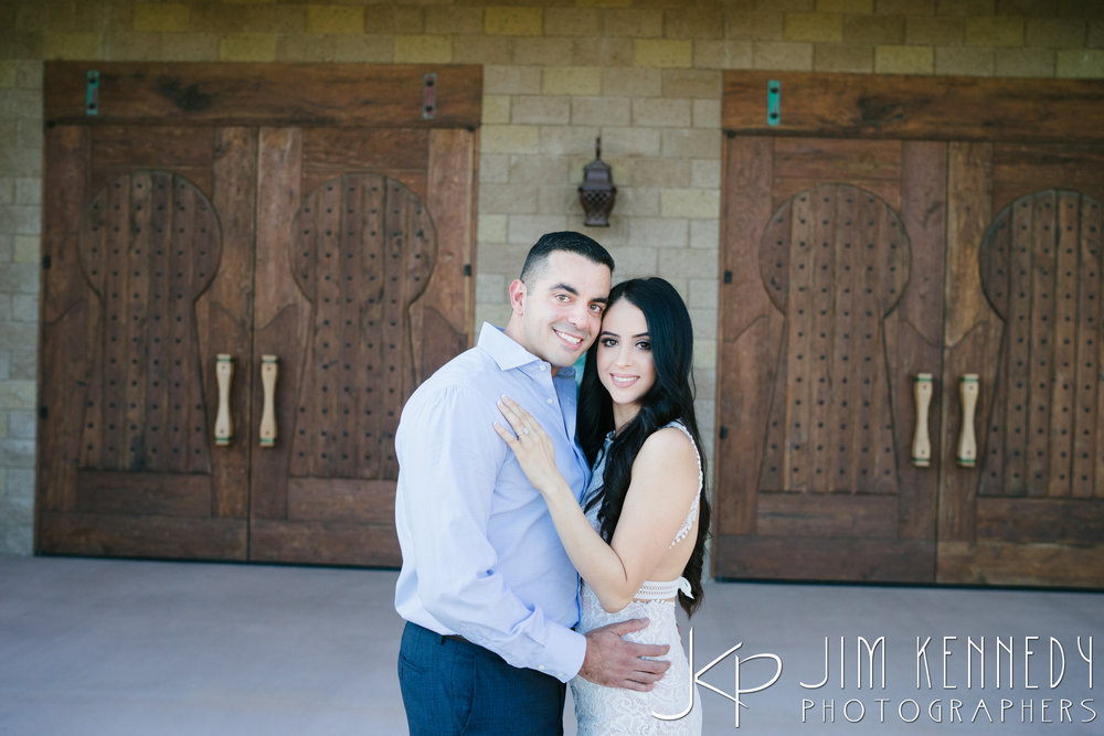 temecula-winery-engagement-session_-8.jpg