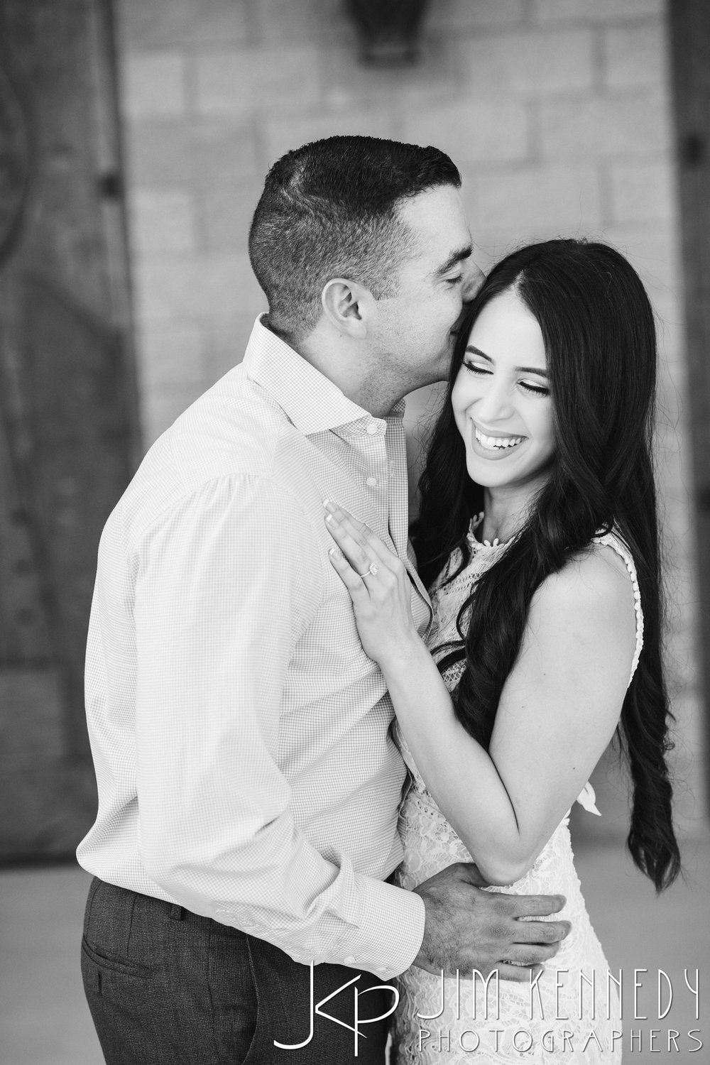 temecula-winery-engagement-session_-10.jpg