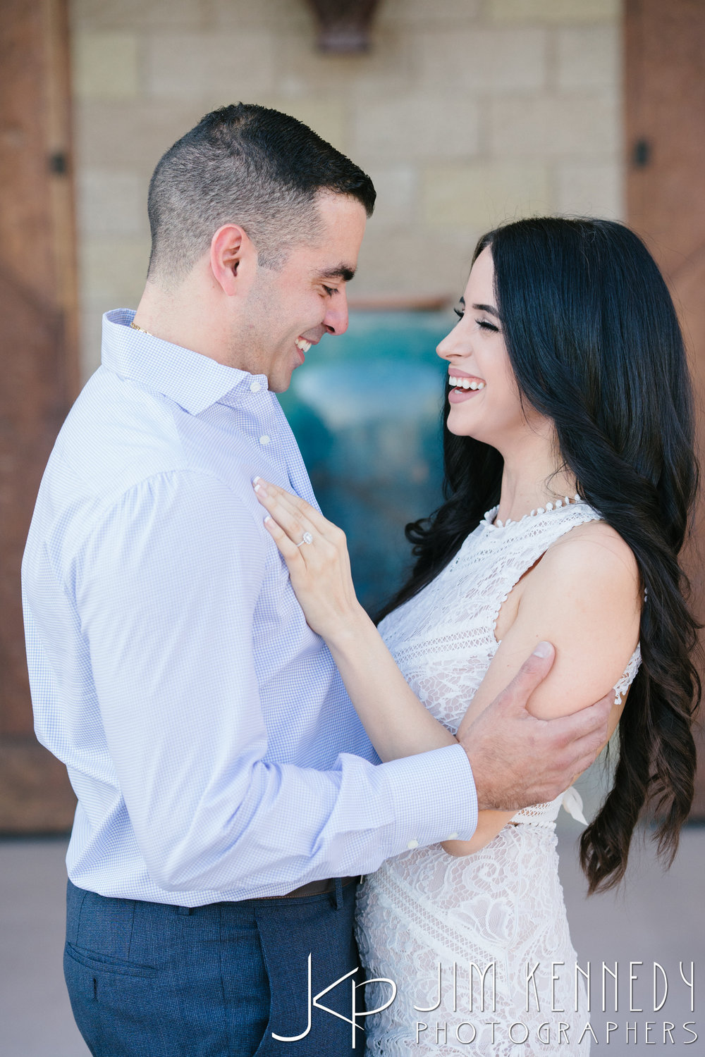 temecula-winery-engagement-session_-11.jpg