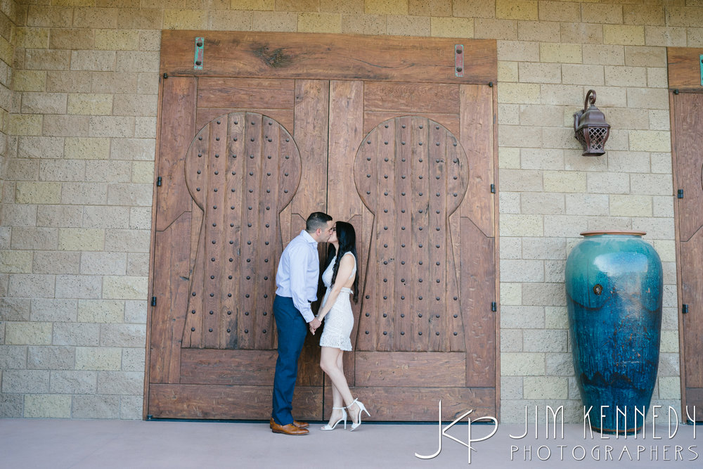 temecula-winery-engagement-session_-14.jpg