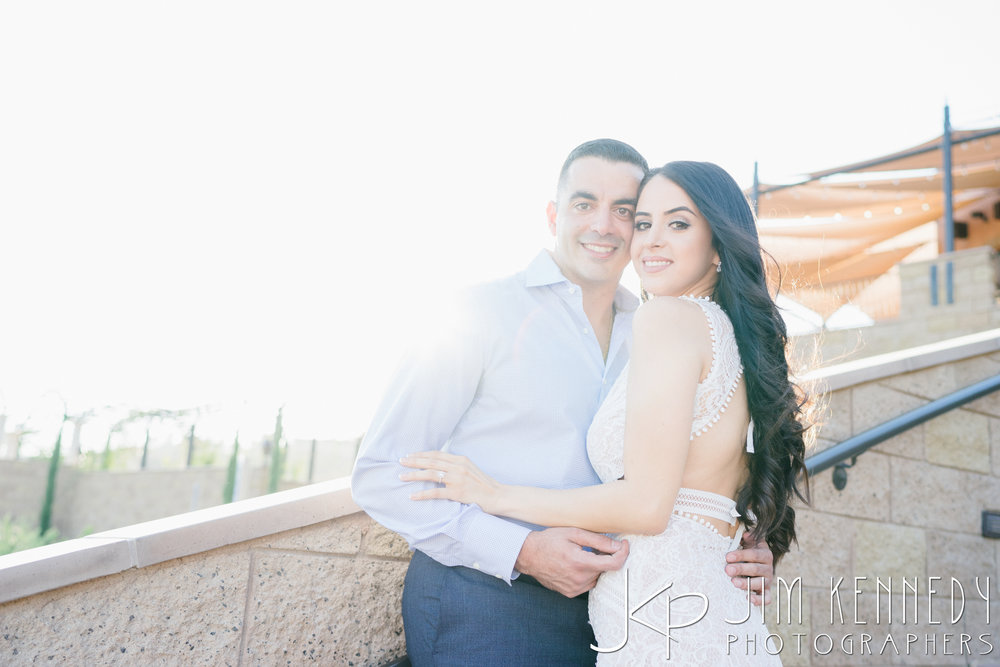 temecula-winery-engagement-session_-16.jpg