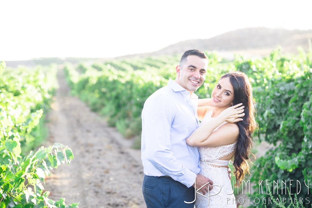 temecula-winery-engagement-session_-32.jpg